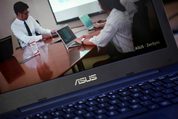 "ASUS готовит ноутбук с процессором Intel Comet Lake"""