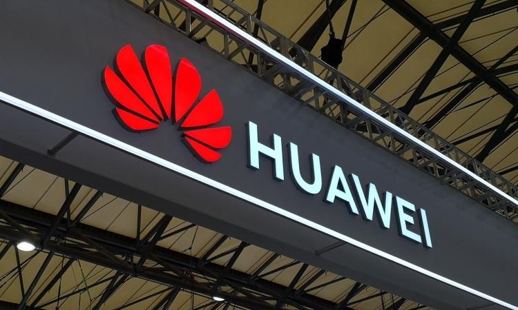 """Жэнь Чжэнфэй: Huawei нуждается в полной реорганизации"""""""