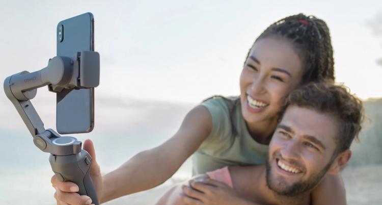 """Стабилизатор DJI Osmo Mobile 3 для смартфонов стал универсальнее, компактнее и легче"""""""