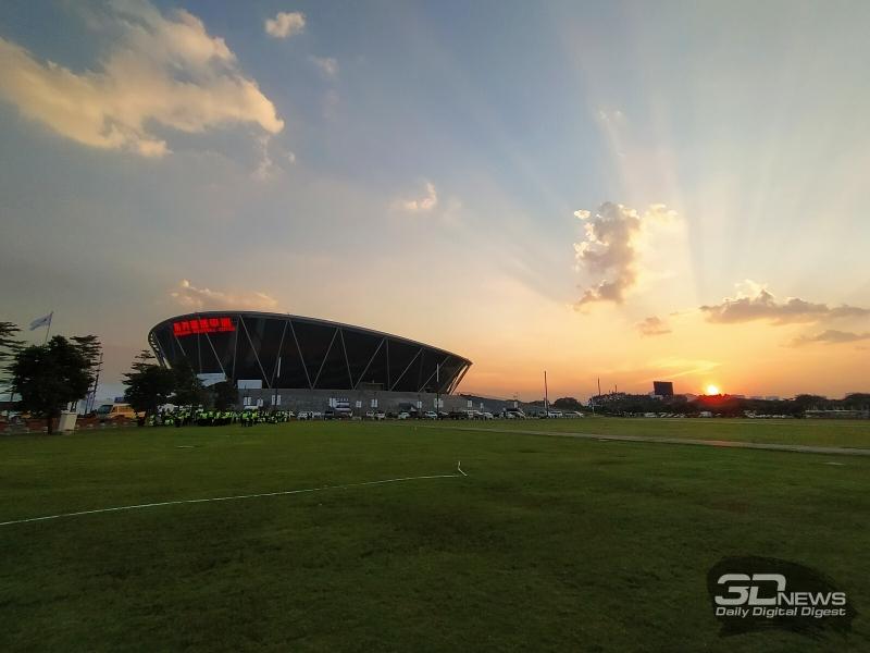 Баскетбольный стадион в Донггуане — место проведения судьбоносной конференции