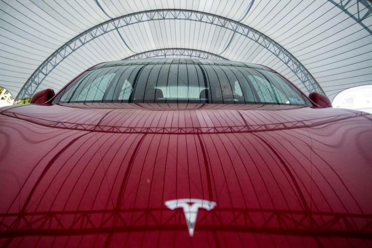 Крупнейший клиент электромобилей вевропейских странах отказался отTesla из-за низкого качества сборки