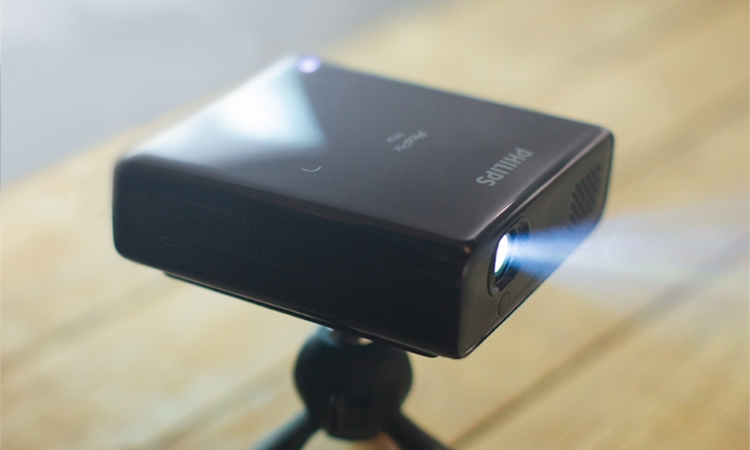 "Philips PicoPix Max: компактный проектор Full HD на базе Android"""