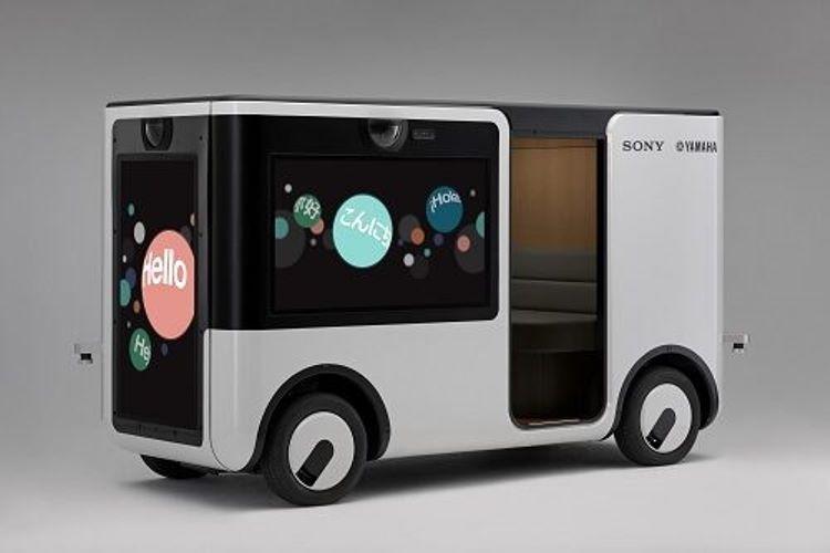 "Sony и Yamaha разрабатывают электрический микроавтобус с дисплеями вместо окон"""