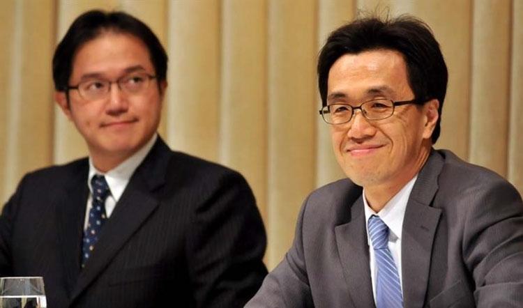Чарльз Као (справа) и Сунь Шивэй (слева)