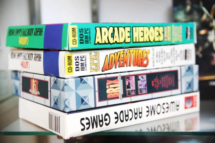 Старые игры в упаковках в штаб-квартире Epic Games в Кэри, Северная Каролина (Travis Dove, The New York Times)
