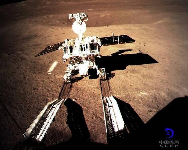 """Китайский луноход Yutu-2 обнаружил странное вещество на обратной стороне Луны"""""""