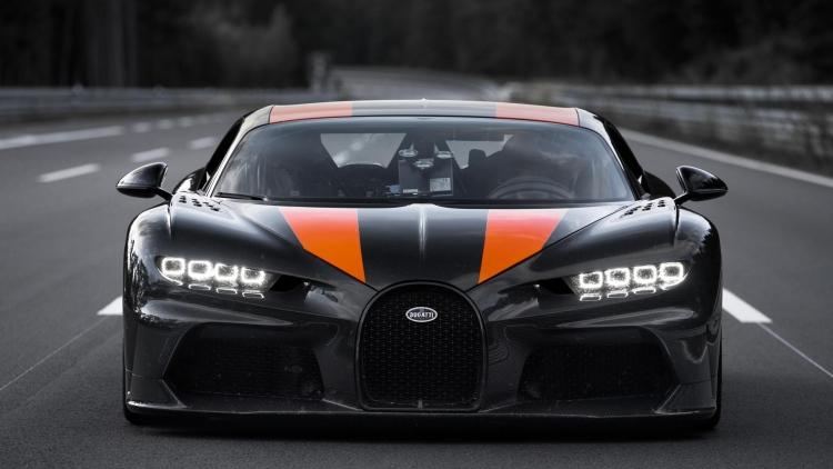 Гиперкар Bugatti Chiron преодолел рубеж скорости 300 миль