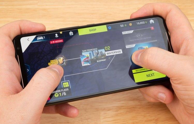 "Представлен смартфон ASUS ROG Phone II Ultimate Edition: чип Snapdragon 855 Plus, 12 Гбайт ОЗУ и 1 Тбайт ПЗУ"""