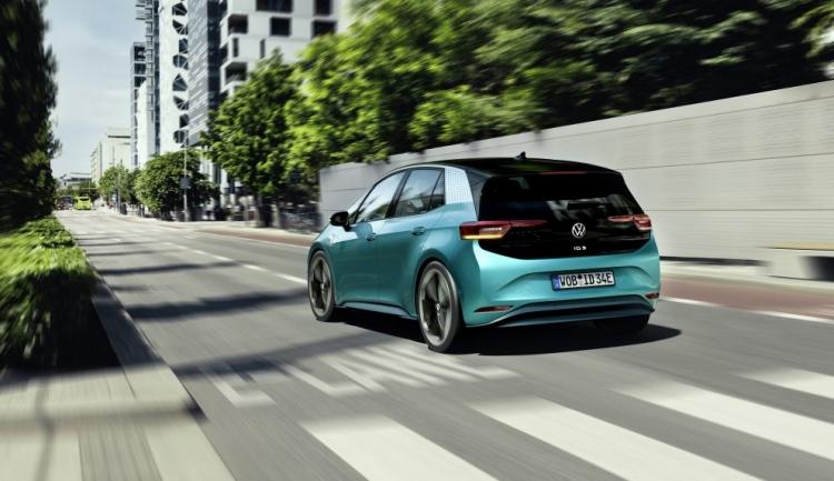 """Volkswagen представила серийную версию электромобиля ID.3 с дальностью пробега до 550 км"""""""