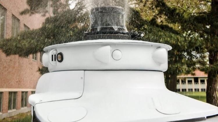 """Система Ford защитит датчики робомобилей от насекомых"""""""