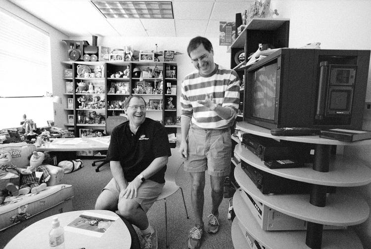 """Боб Айгер: Disney могла слиться с Apple, если бы Стив Джобс был жив"""""""