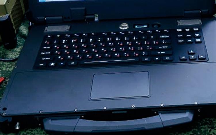 """Российские военные получили отечественные ноутбуки повышенной прочности"""""""
