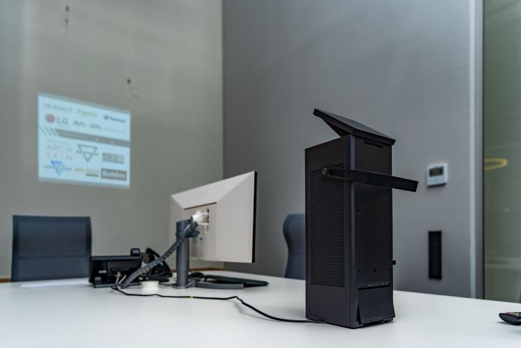 """Архитектурный шоу-рум PROEKTOR позволяет опробовать предлагаемое LG оборудование в реальной обстановке"""""""