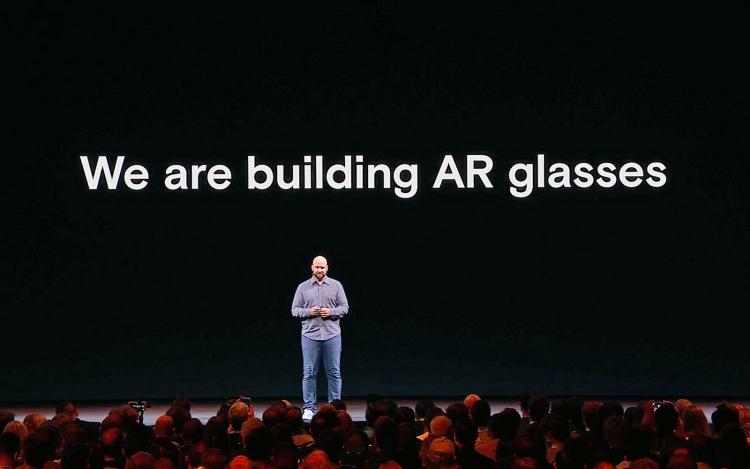 """Facebook создаёт очки дополненной реальности и картографирует планету"""""""