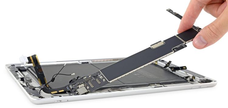 """iPad 7 лучше не ломать: планшет практически не подлежит ремонту"""""""
