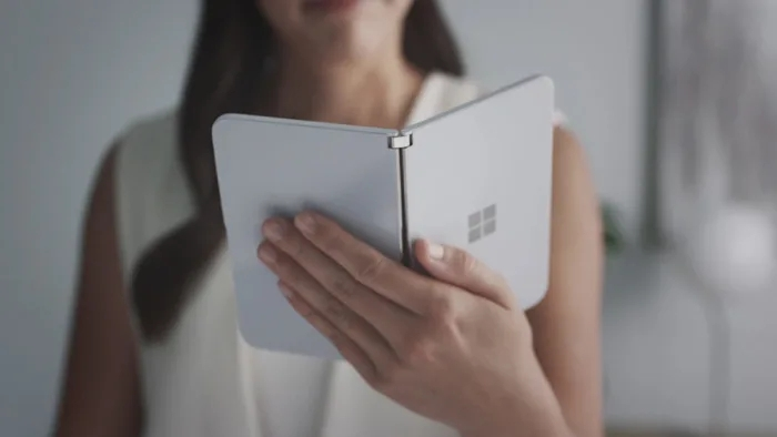 Microsoft представила Android-смартфон Surface Duo с двумя экранами""