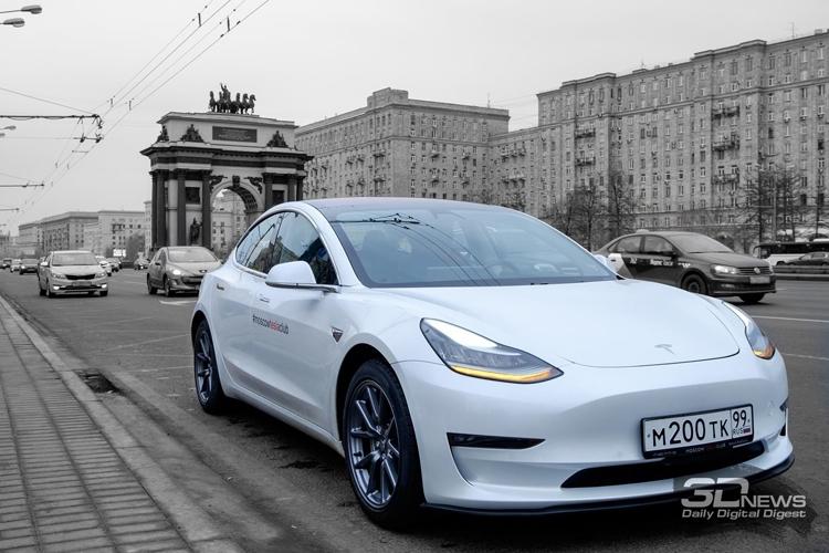 Tesla начали массово попадать в трагедии  после новоиспеченной  прошивки: водители делятся видео