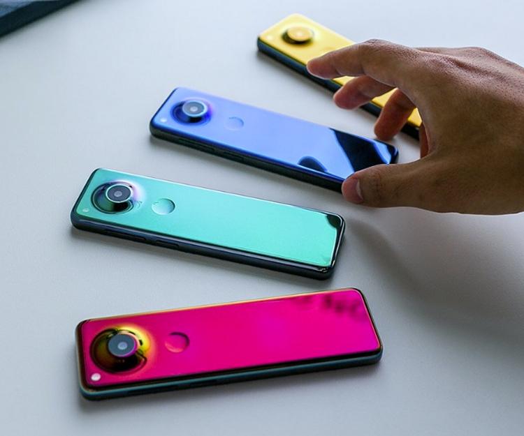 Создатель Android представил смартфон-пульт Essential