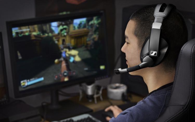 """Беспроводная игровая гарнитура Sennheiser GSP 370 обеспечит 100 часов автономной работы"""""""
