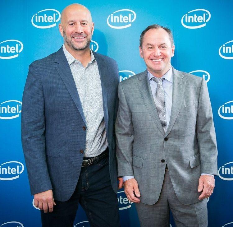 Intel готова обратиться за помощью к сторонним производителям полупроводниковых изделий