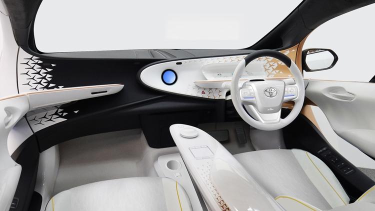 """Toyota LQ: новый уровень взаимодействия между автомобилем и водителем"""""""