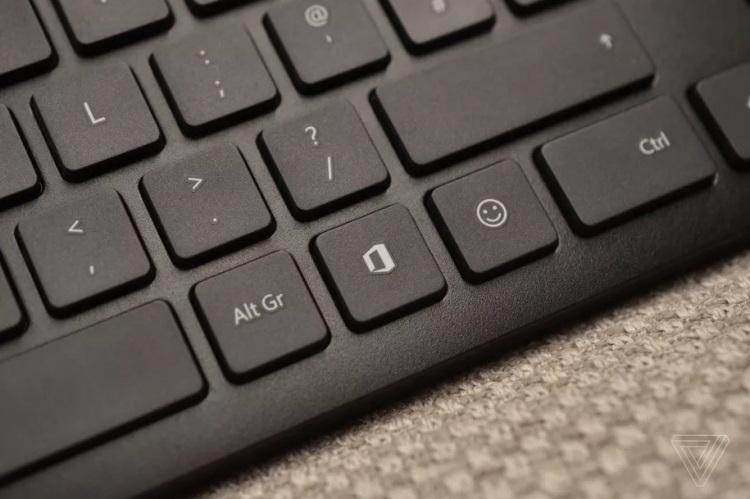 "Microsoft добавила на свои клавиатуры две новые клавиши"""