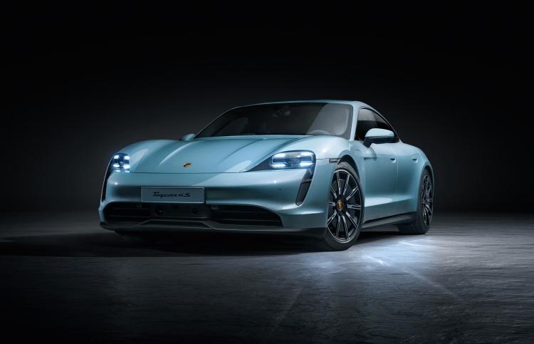 Электромобиль Porsche Taycan обзавелся базовой версией 4S
