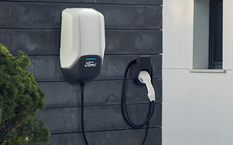 """Ford готова предложить крупнейшую в США сеть зарядных станций для будущего электромобиля"""""""