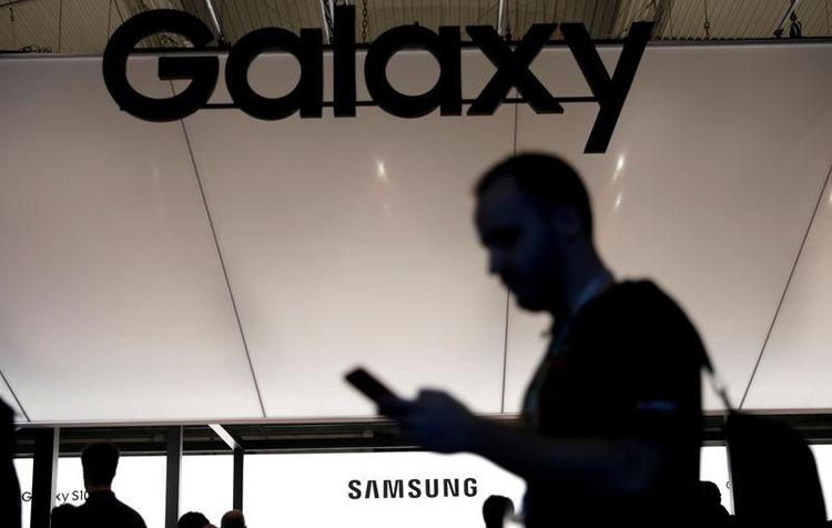 """Появление смартфона Samsung с подэкранной камерой ожидается в 2020 году"""""""