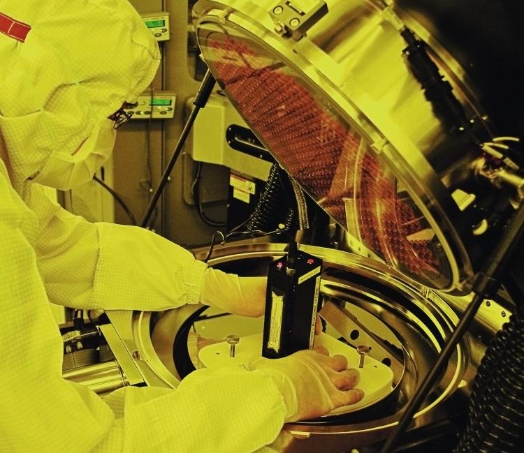 """Высокий спрос на 7-нм и 5-нм чипы поможет росту TSMC в 2020 году"""""""