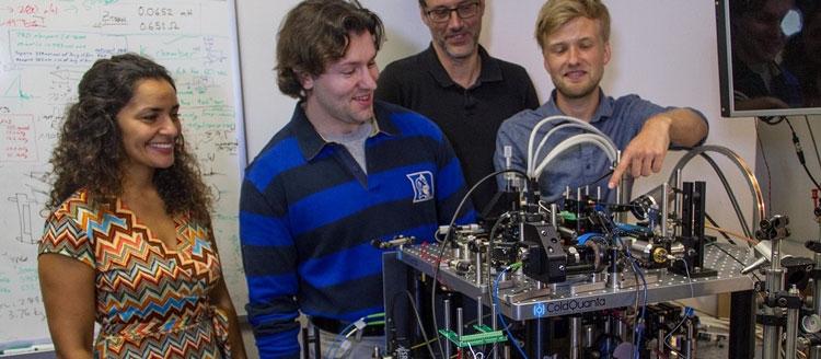 Лабораторный прототип квантовой атомной установки отправленной на МКС (NASA/JPL-Caltech)