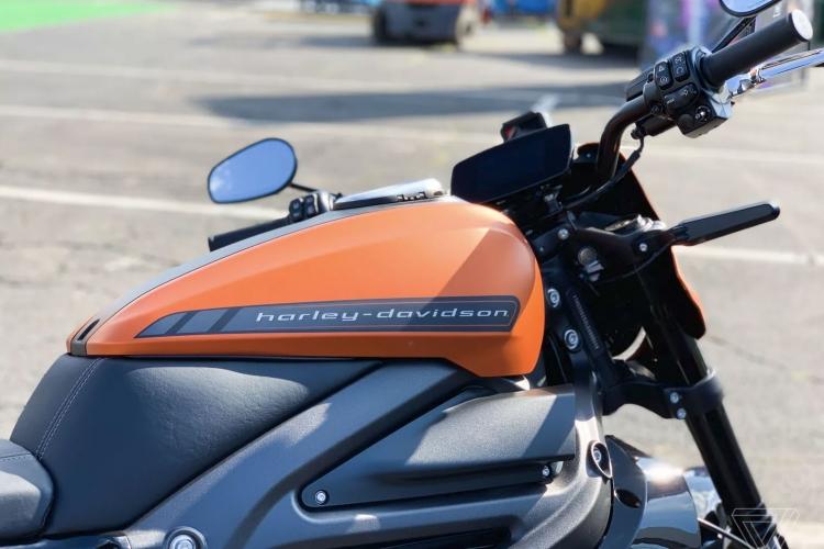 """Harley-Davidson возобновила производство своего первого электроцикла после проблем с зарядкой"""""""