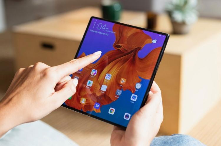 "Изгибаемый Huawei Mate X будет выпущен в Китае по цене от $1400 за младшую модель"""