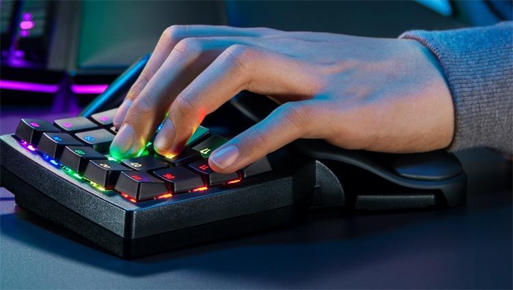 """Razer Tartarus Pro: игровой кейпад с аналоговыми оптическими переключателями"""""""