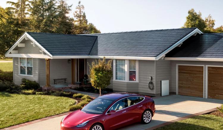 """Tesla представила новую версию солнечных панелей для крыш домов"""""""