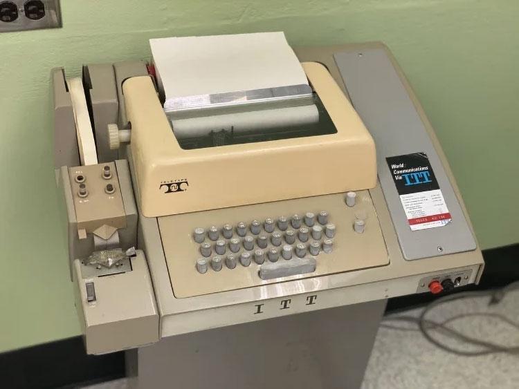 В 1969 году телетайпы вроде этого были важными компьютерными устройствами. (Mark Sullivan)
