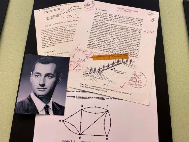 Диссертация Леонарда Кляйнрока, описывающая концепты, лёгшие в основу ARPANET (Mark Sullivan)