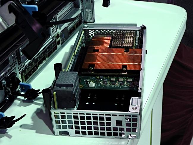 Коммуникационный модуль A400. В нём и используется чип Pensando Фото: Blocks & Files