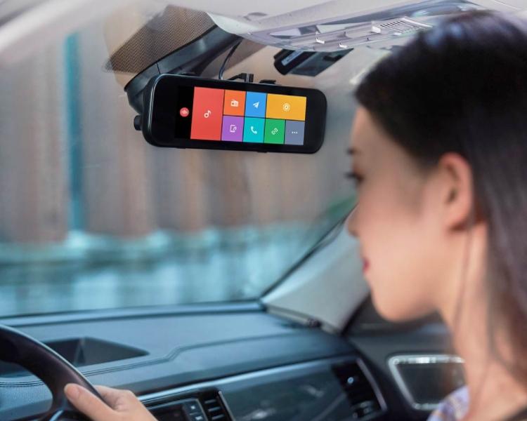 """Новый автомобильный видеорегистратор Xiaomi выполняет функции навигатора и медиаплеера"""""""