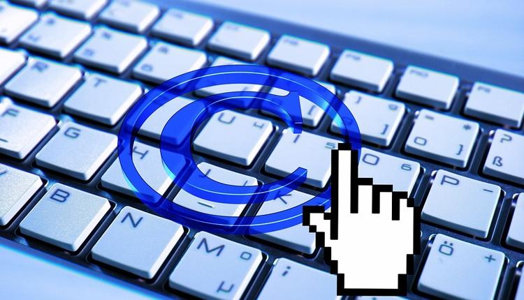 """В России рухнул рынок интернет-пиратства"""""""