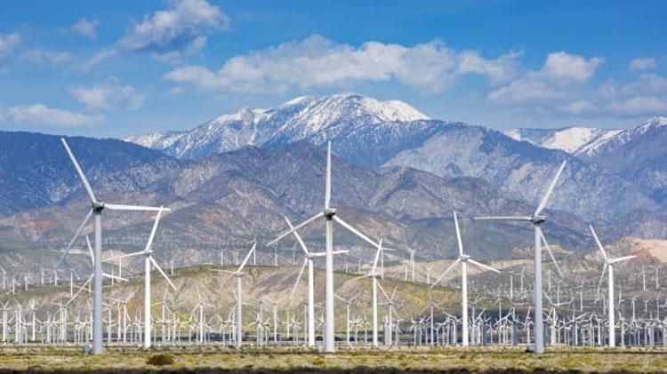 Электроветряная ферма в Калифорнии (Christopher Groenhout | Lonely Planet Images | Getty Images)
