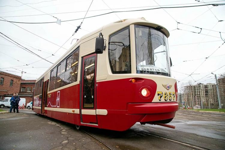 """В Петербурге испытали трамвай на водородном топливе"""""""