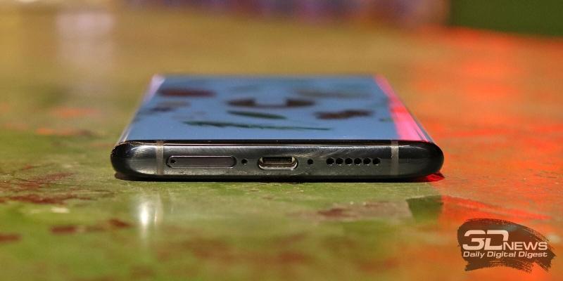 NEX 3, нижняя грань: слот для SIM-карт, основной динамик, микрофон и порт USB Type-C