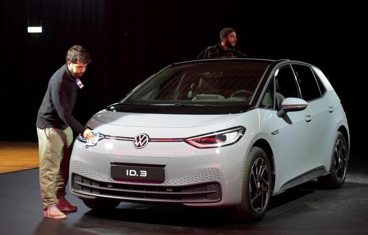 """Германия намерена увеличить субсидирование покупок электромобилей на 50 %"""""""