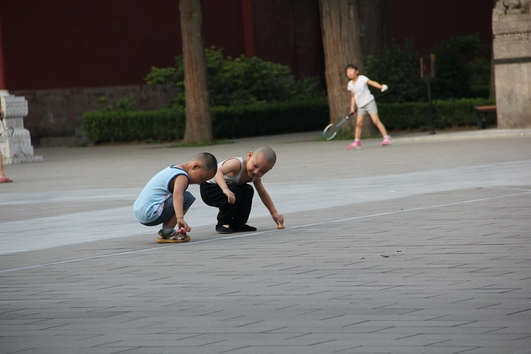В Китае детям до 18 лет ограничили время игры до полутора часов в день
