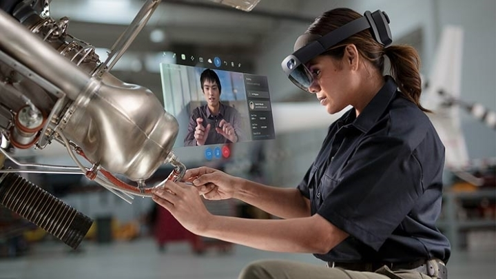 """Поступила в продажу гарнитура смешанной реальности Microsoft HoloLens 2 по цене $3500"""""""