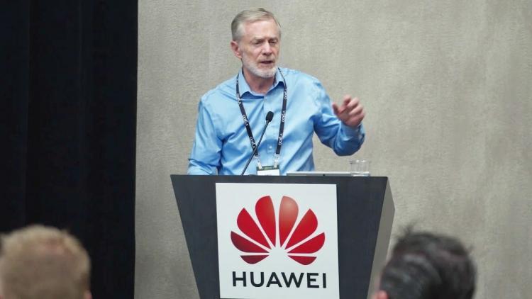 "Huawei: давление на нас США позорно и тщетно"""