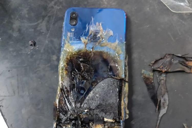"""Техподдержка Xiaomi отказала в гарантийном обслуживании владельцу самовоспламенившегося Redmi Note 7S"""""""