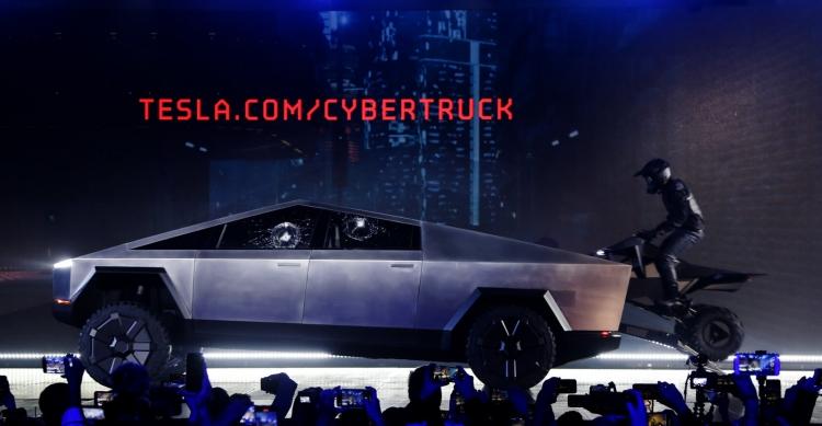"""Илон Маск подтвердил, что квадроцикл Cyberquad — аксессуар пикапа Cybertruck"""""""