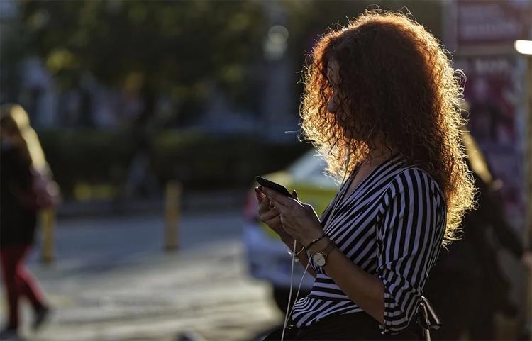 """Смартфоны смогут предупреждать пешеходов в России о приближающихся автомобилях"""""""